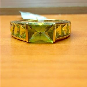 Jewelry - 18kt gold fashion ring